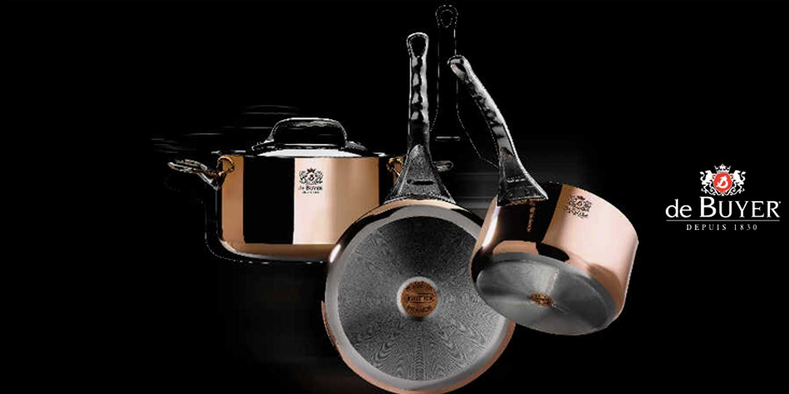 de BUYER Kochgeschirr aus Frankreich 1830 wurde in Frankreich das Unternehmen de Buyer gegründet und stellt seitdem professionelle Koch- und Backutensilien her. Die traditionelle Herstellung Der Eisenwaren ist schon seit Jahrzehnten in der Gastronomie bekannt und geschätzt.