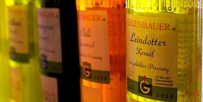 Oliën van Gegenbauer - Wenen Oliemolen De naam Gegenbauer is azijn productie in de derde generatie. filosofie van vandaag met passie u. Fascination van Erwin M. Gegenbauer vertegenwoordigd verzet zich tegen een uniformiteit van smaak en in de richting van individualiteit.